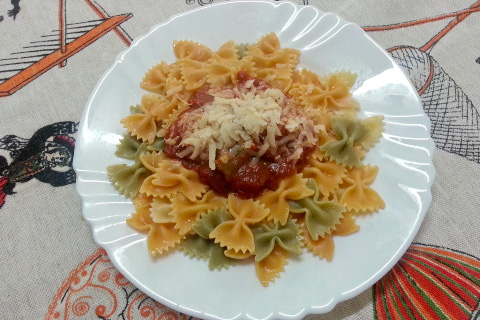Tricolor Farfalle Pasta With A Rich Tomato Sauce